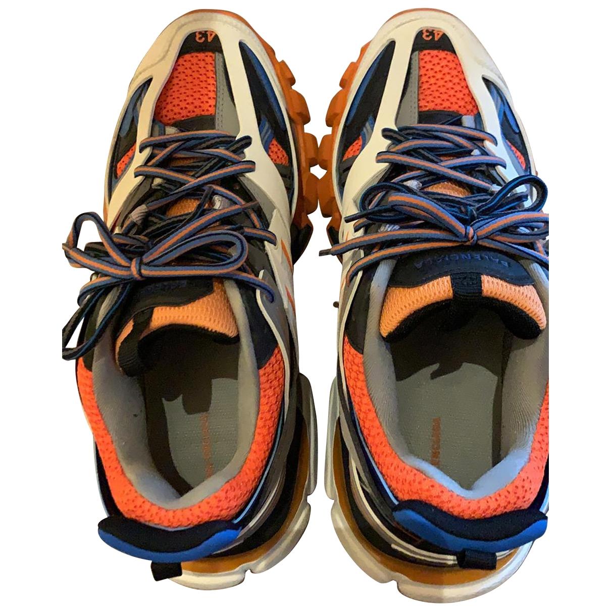 Balenciaga Track Sneakers in  Bunt Leder