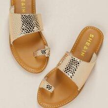 Slip On Sandalen mit metallischem Schlangenleder Muster und Zehenschleife