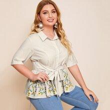 Bluse mit Streifen, Band vorn, Stickereien und Schosschen