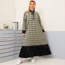 Kleid mit Karo Muster, Peter Pan Kragen und Falten am Saum