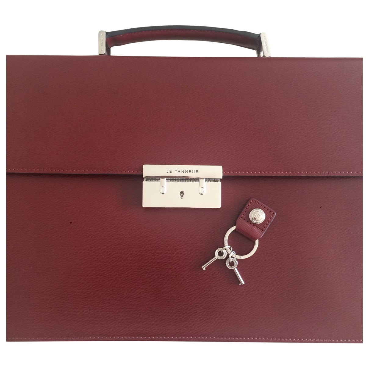 Le Tanneur \N Clutch in  Bordeauxrot Leder
