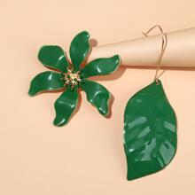 Ohrringe mit Blumen & Blatt Design