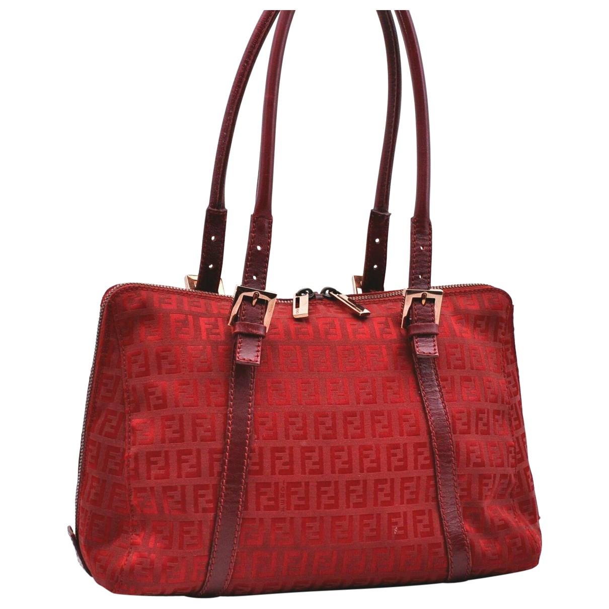 Fendi \N Handtasche in  Rot Leinen