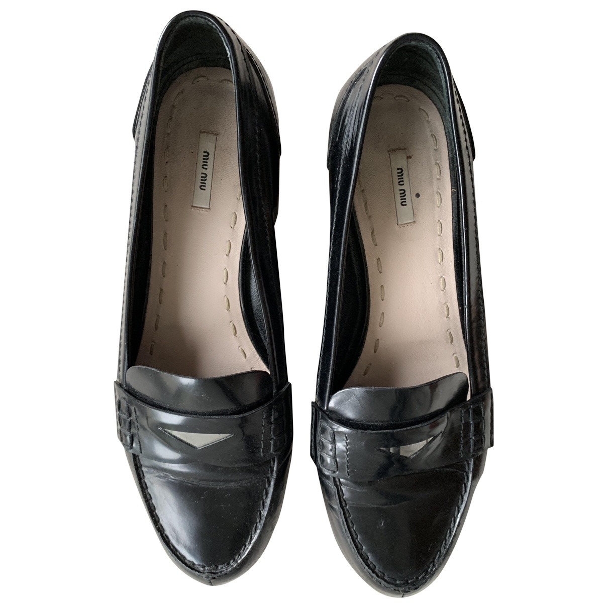 Miu Miu \N Black Leather Flats for Women 37.5 EU