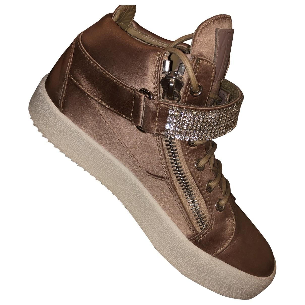 Giuseppe Zanotti Donna Sneakers in  Rosa Samt