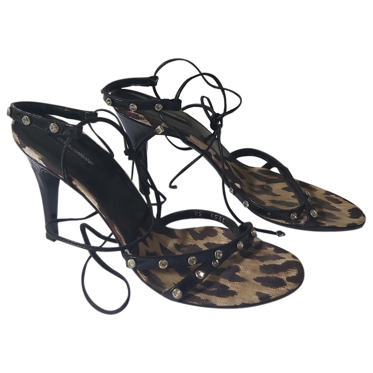 Dolce & Gabbana \N Sandalen in  Schwarz Lackleder