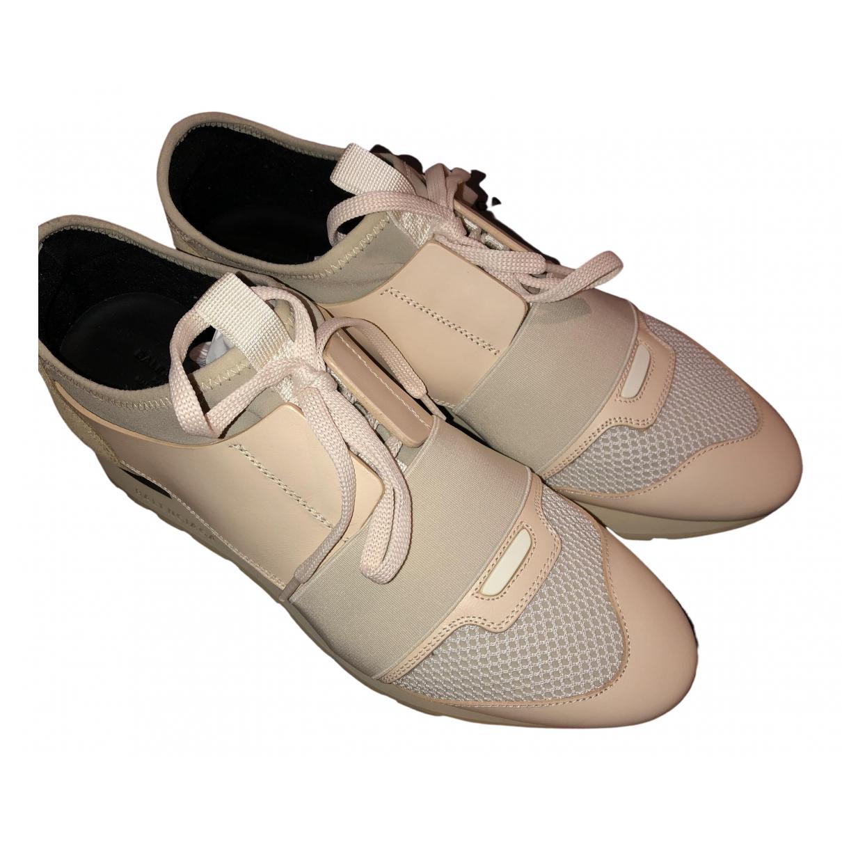 Balenciaga Race Sneakers in  Beige Leder