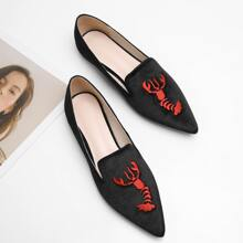 Point Toe Shrimp Embroidered Loafers