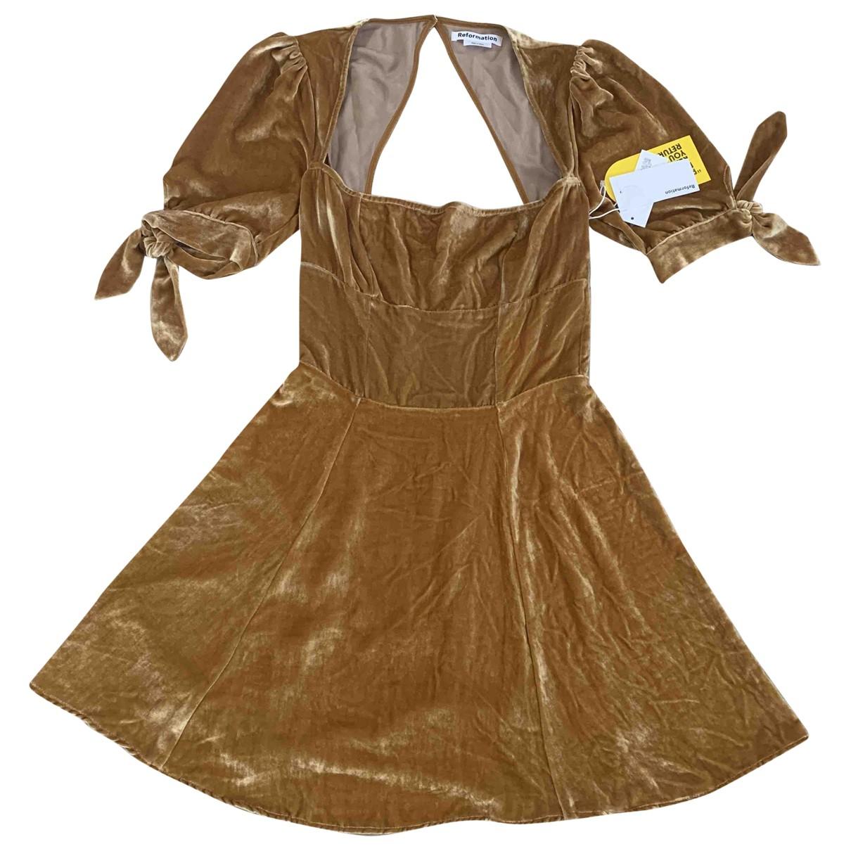 Reformation \N Camel Velvet dress for Women 4 US
