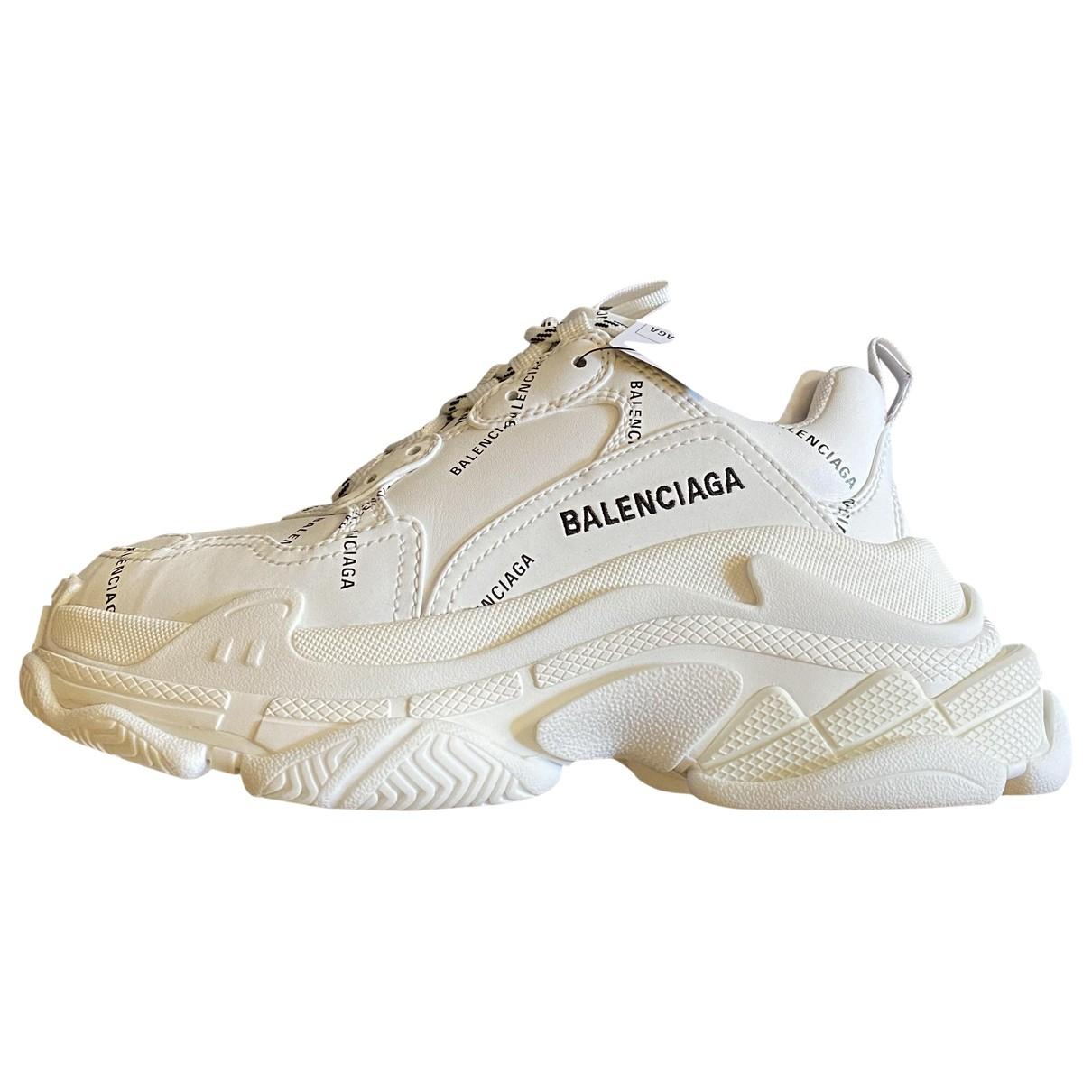 Balenciaga - Baskets Triple S pour femme en cuir - blanc