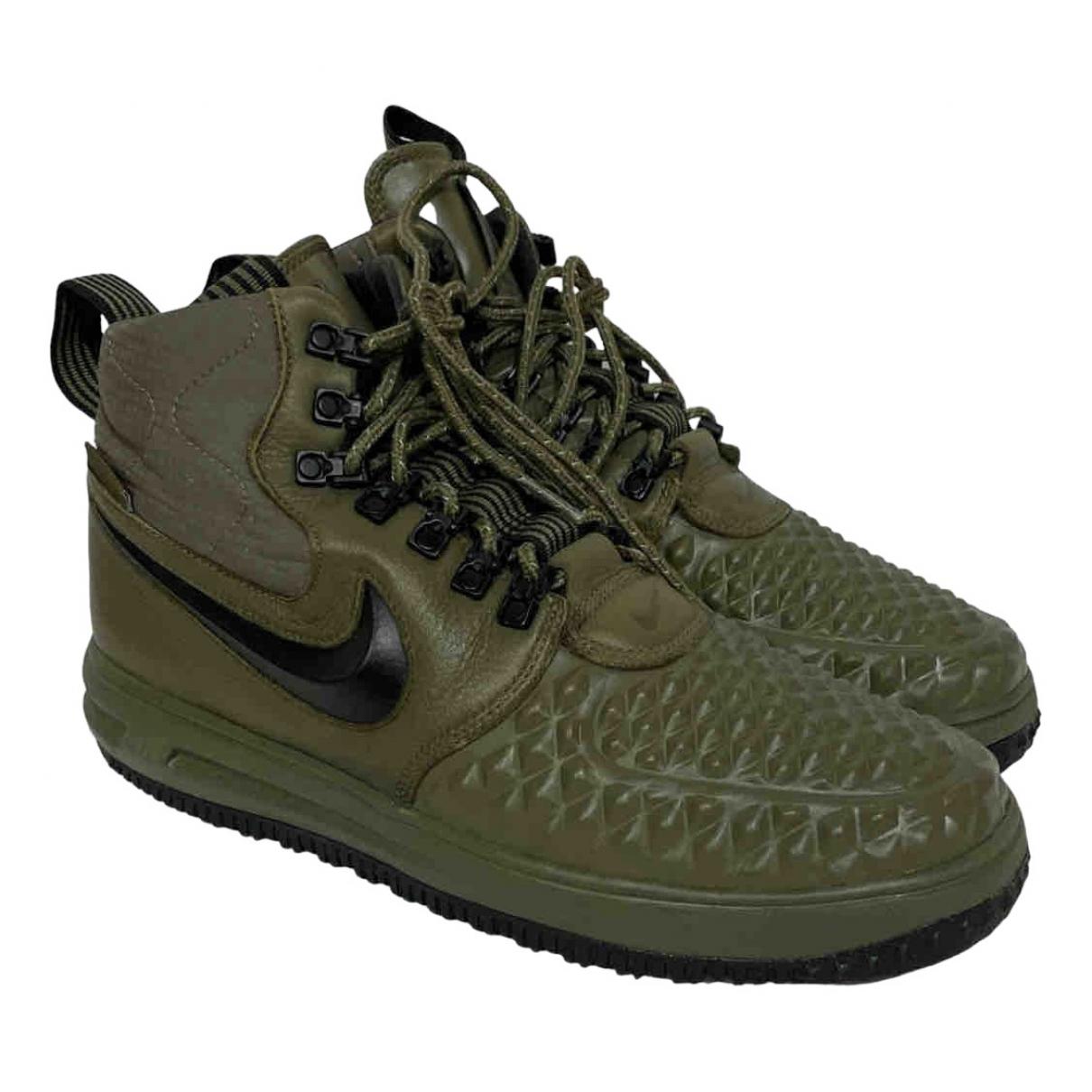 Nike Air Force 1 Sneakers in  Gruen Leder