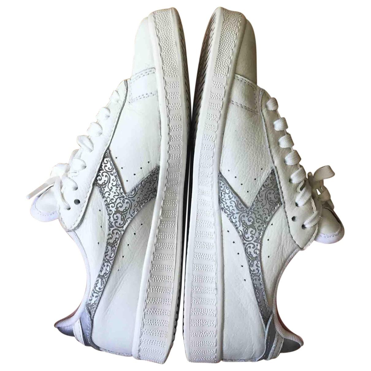 Diadora \N Sneakers in  Weiss Leder