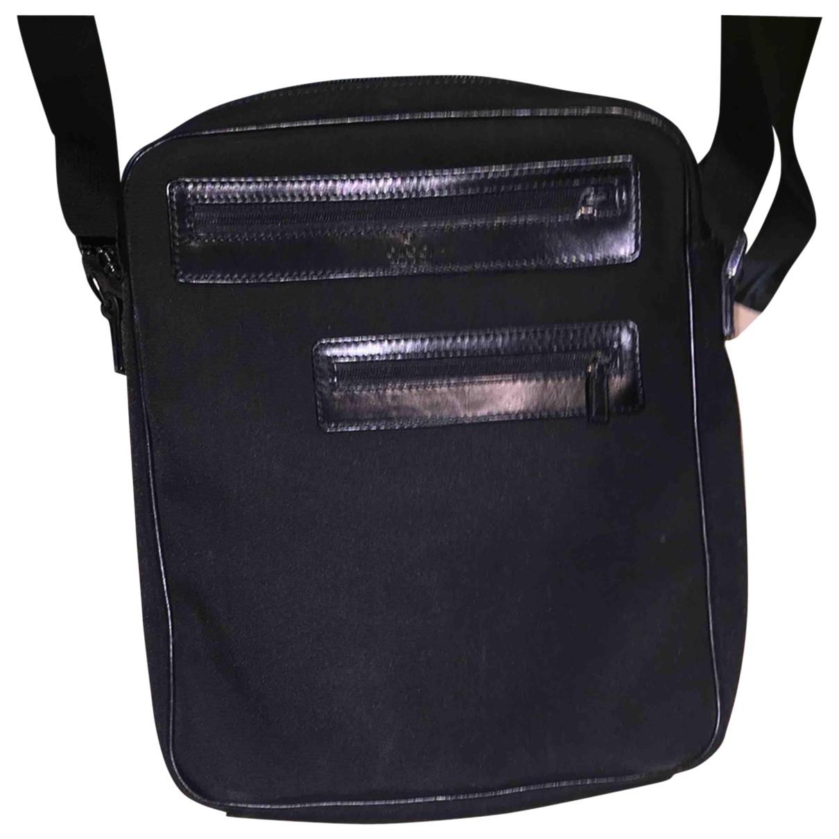 Gucci \N Taschen in  Schwarz Leinen