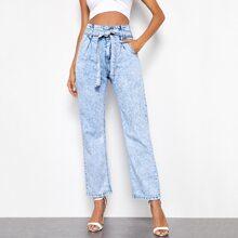 Jeans mit hoher Taille, geradem Beinschnitt und Guertel