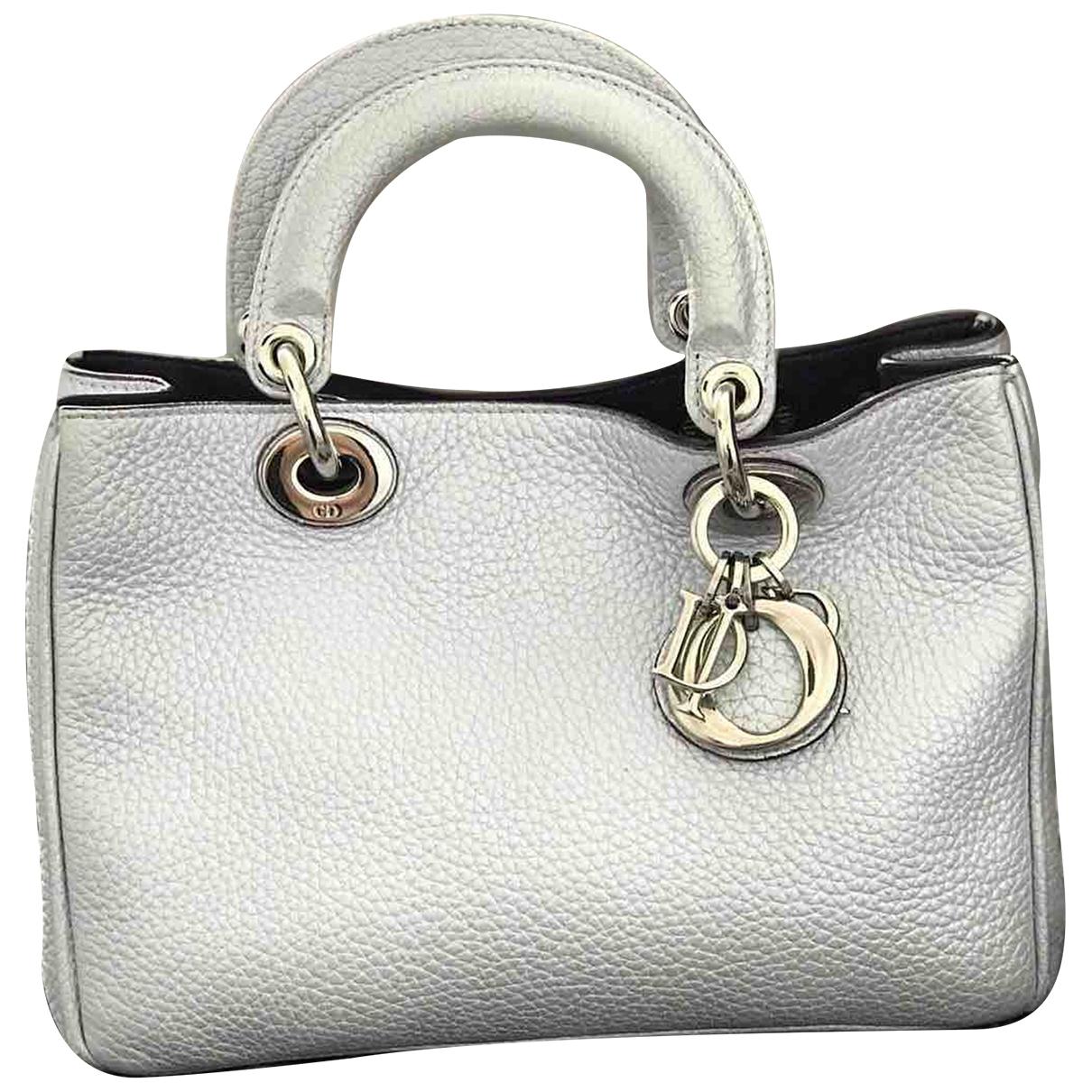 Dior Diorissimo Handtasche in  Silber Leder
