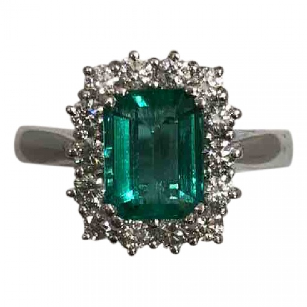 Non Signe / Unsigned Emeraude Ring in  Weiss Weissgold