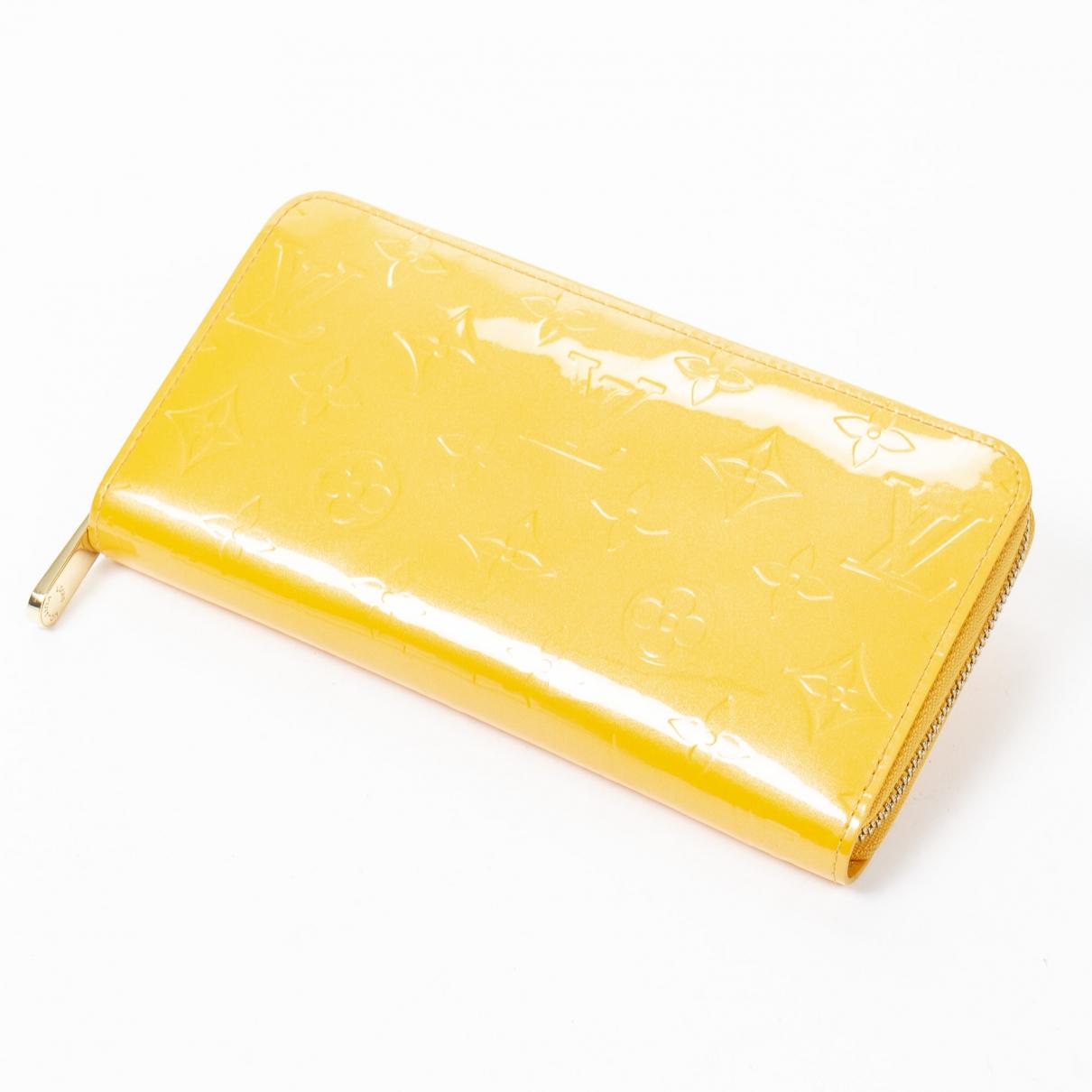 Louis Vuitton - Portefeuille Zippy pour femme en cuir verni - jaune