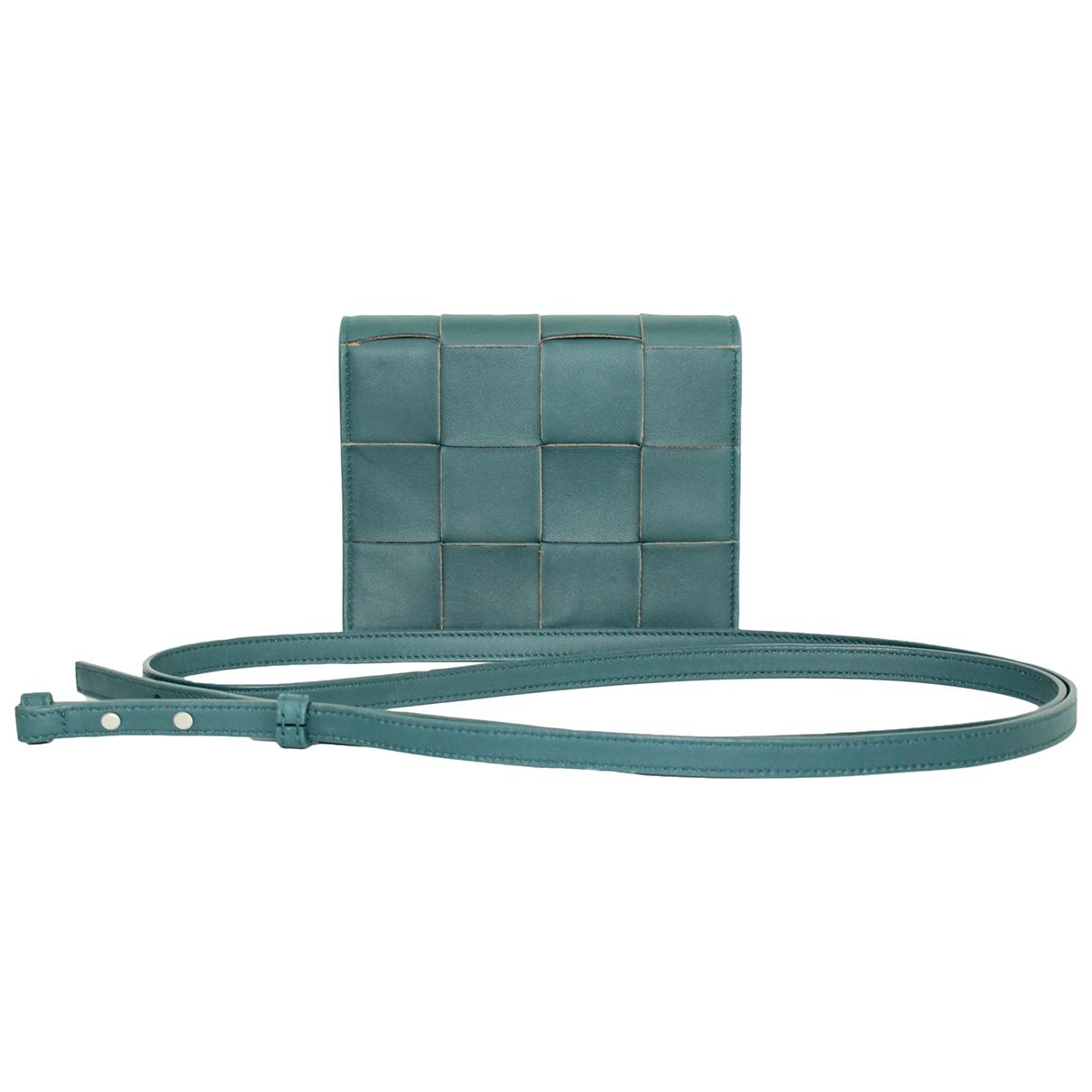 Bottega Veneta Cassette Turquoise Leather handbag for Women \N