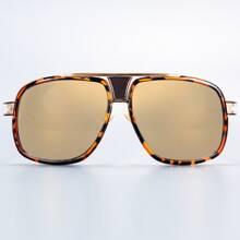 Sonnenbrille mit getonter Linse