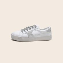 Star Patch Low Top Sneakers