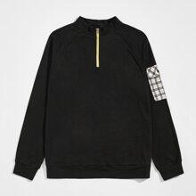 Pullover mit Taschen Klappen und halbem Reissverschluss