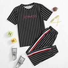 Top mit Buchstaben Grafik und Streifen & Hose mit Streifen und seitlichem Band