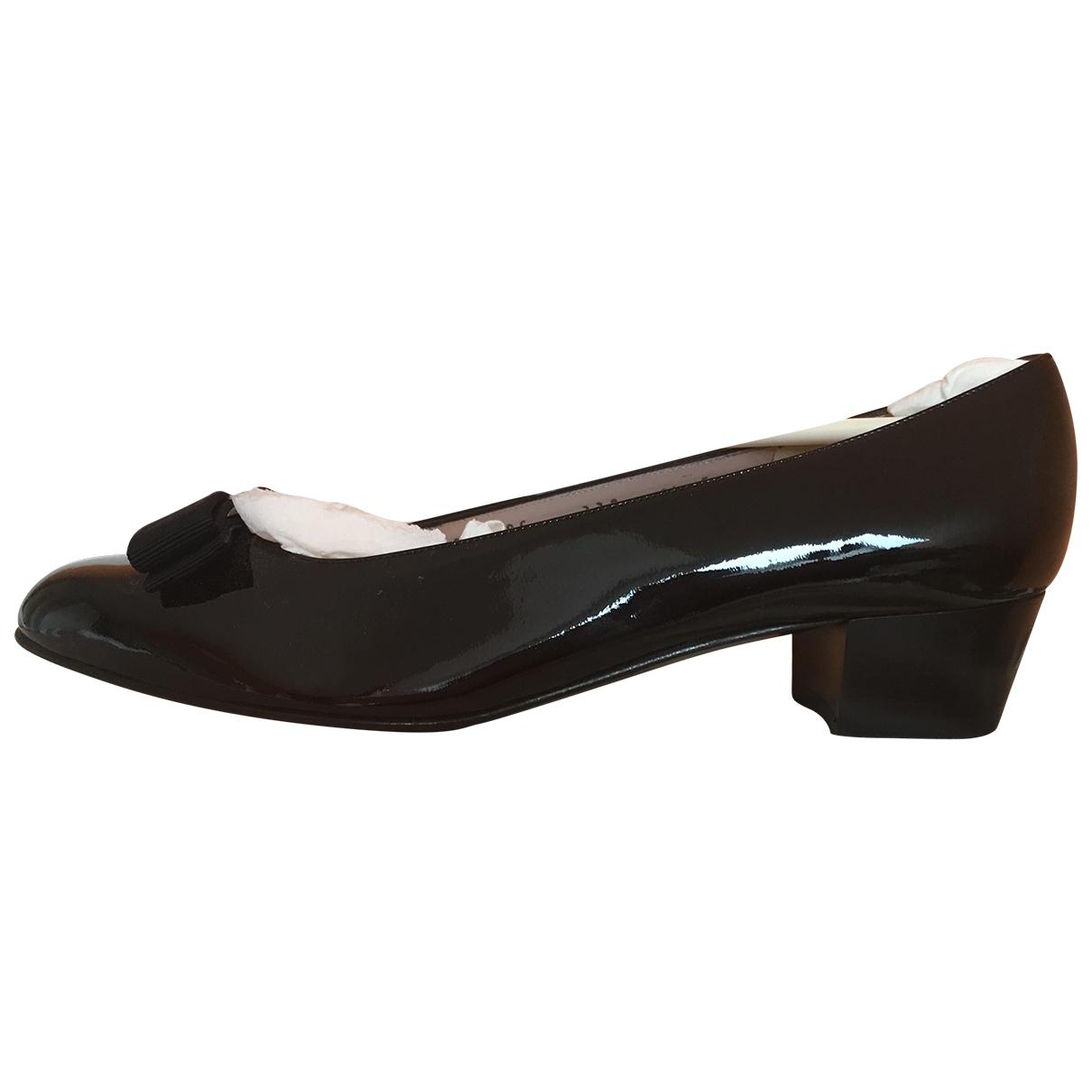 Salvatore Ferragamo Vara Black Patent leather Heels for Women 9.5 US