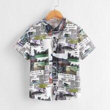 Hemd mit Zeitung Muster