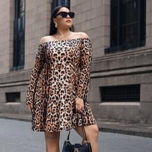 Schulterfreies Kleid mit Gepard Muster