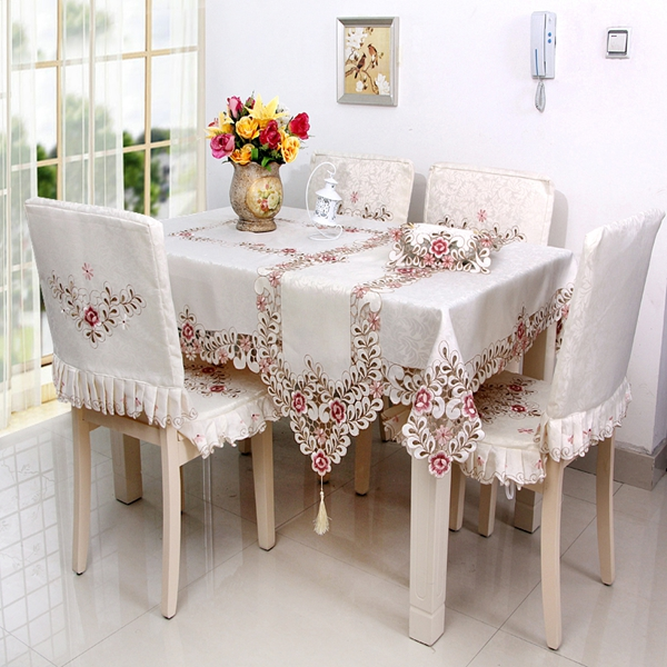 Warm Polyester Embroidery Flower Lace Pattern Washable Tablecloth