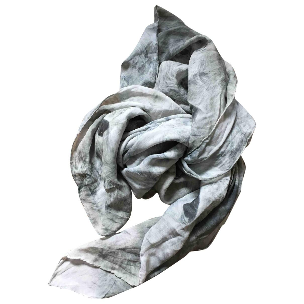Emma Cook \N Schal in  Grau Seide