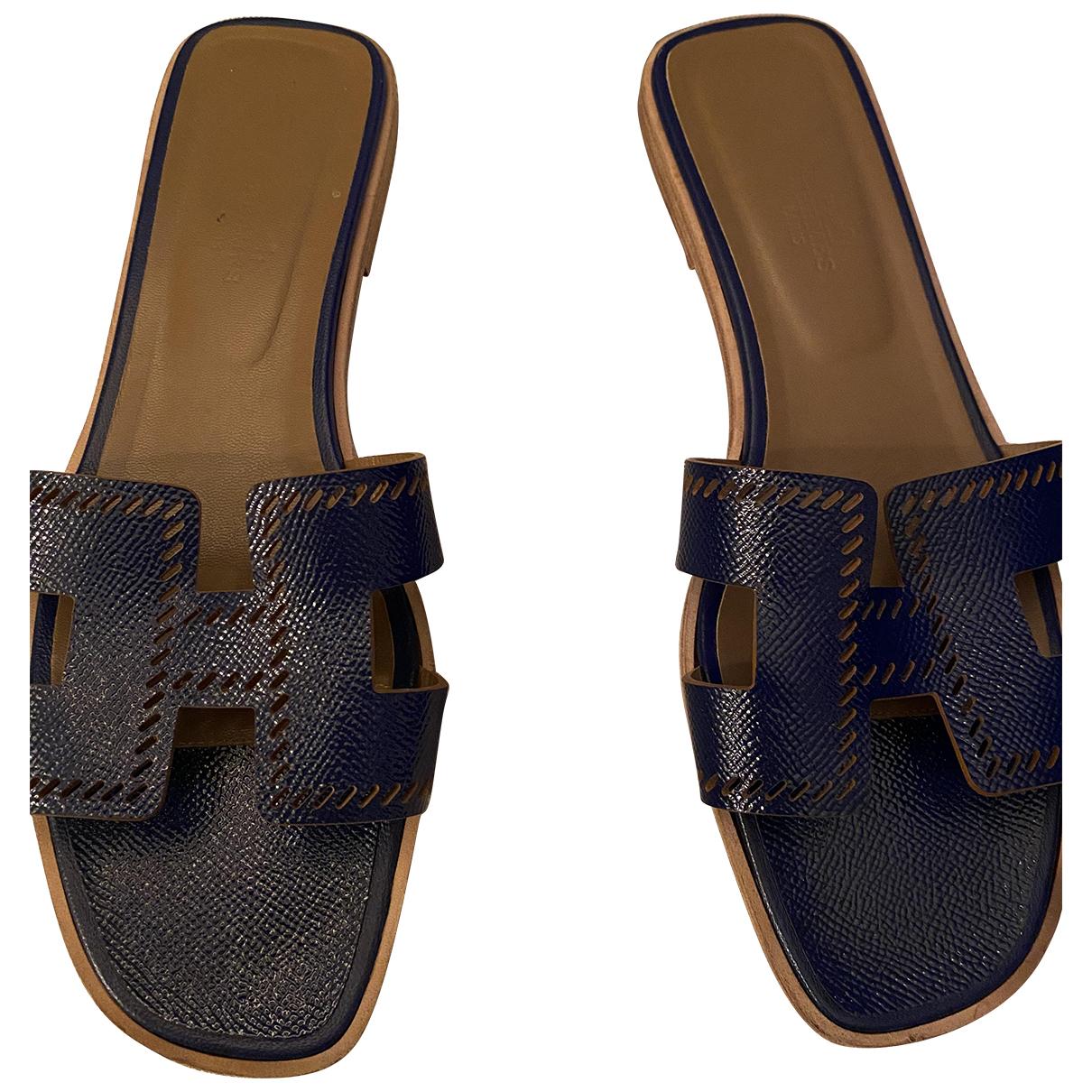Hermes Oran Sandalen in  Blau Leder