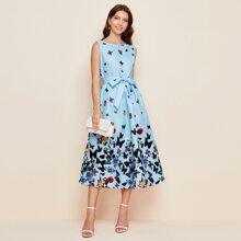 Kleid mit Schmetterling Muster und Guertel