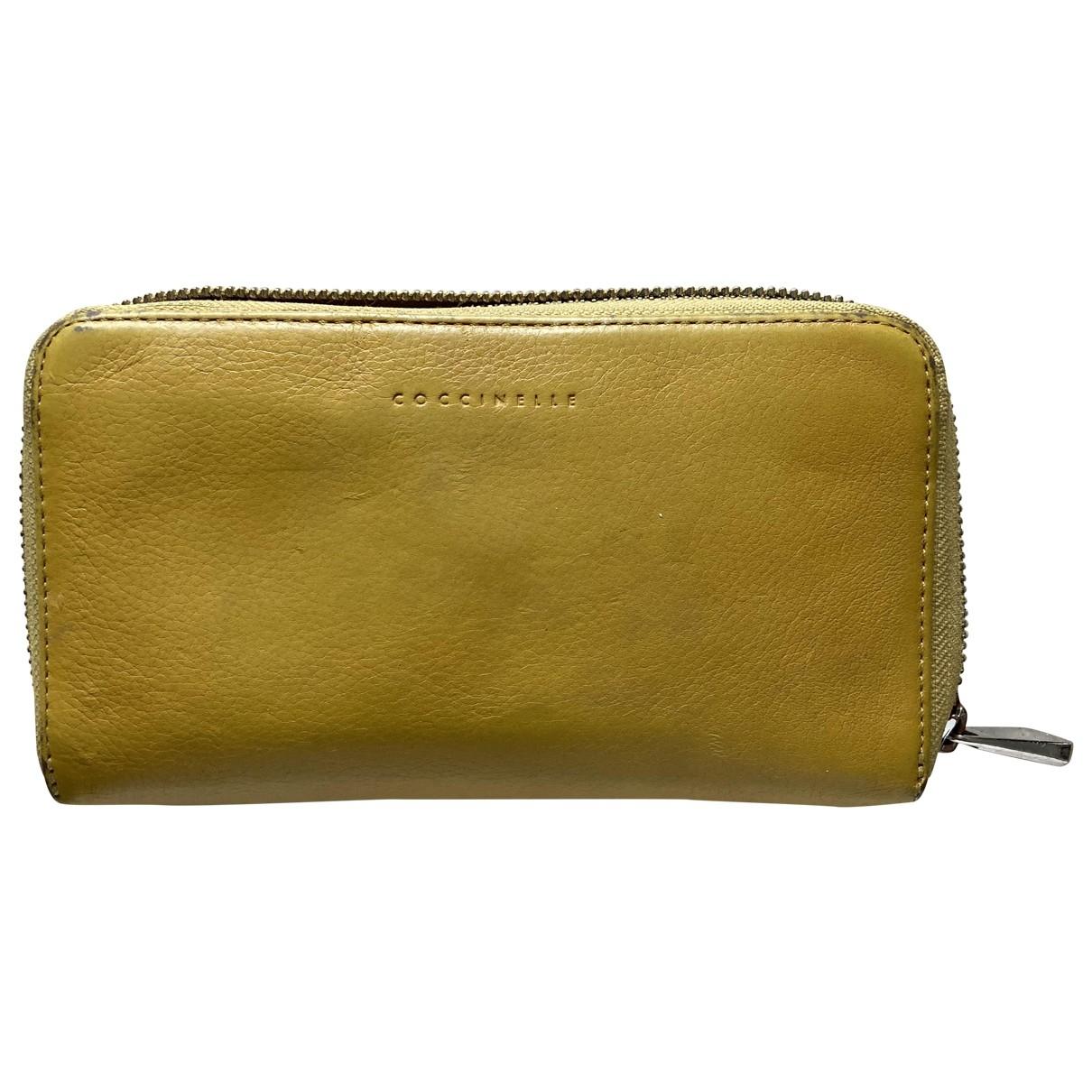 Coccinelle \N Portemonnaie in  Gelb Leder