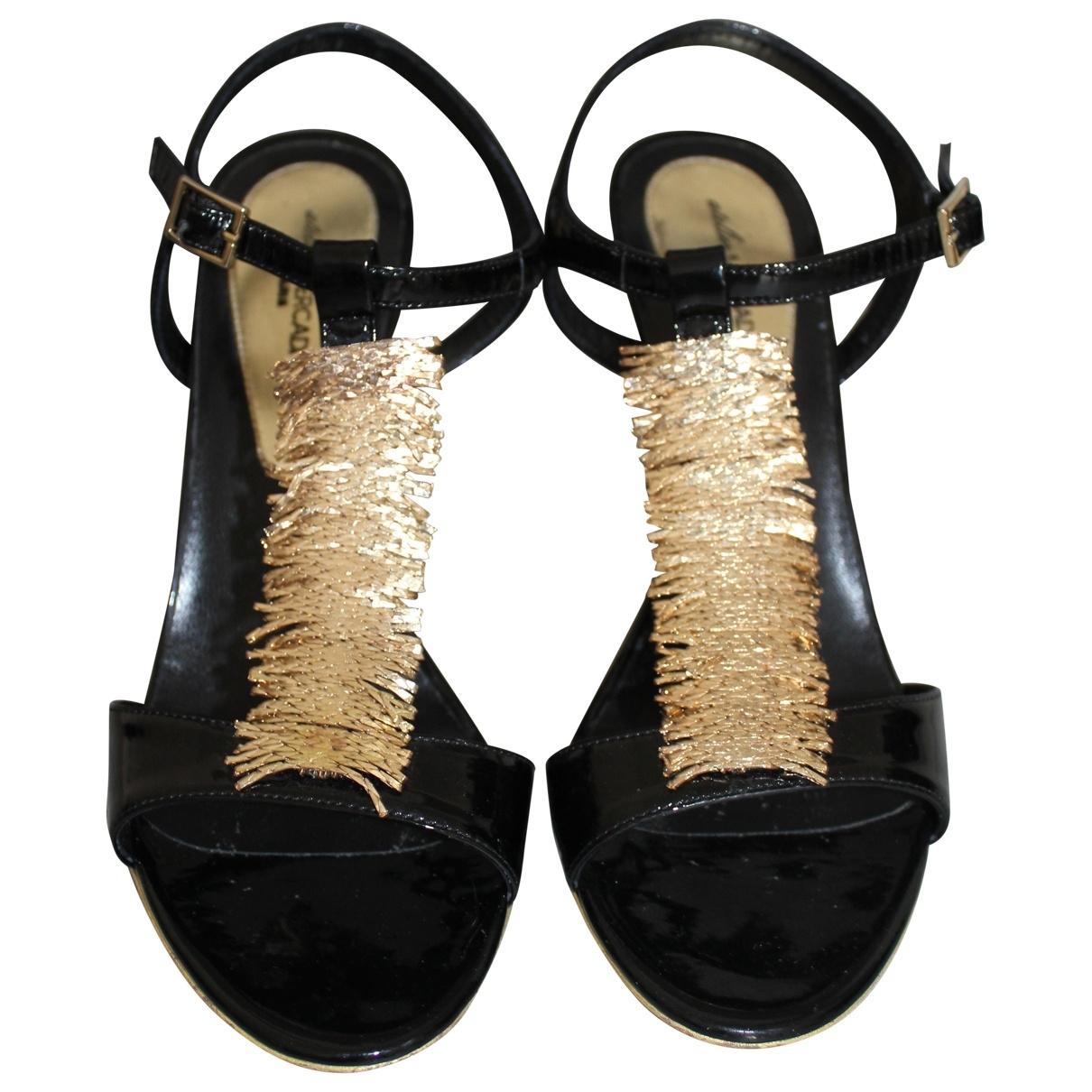 Sandalias romanas de Charol Atelier Mercadal