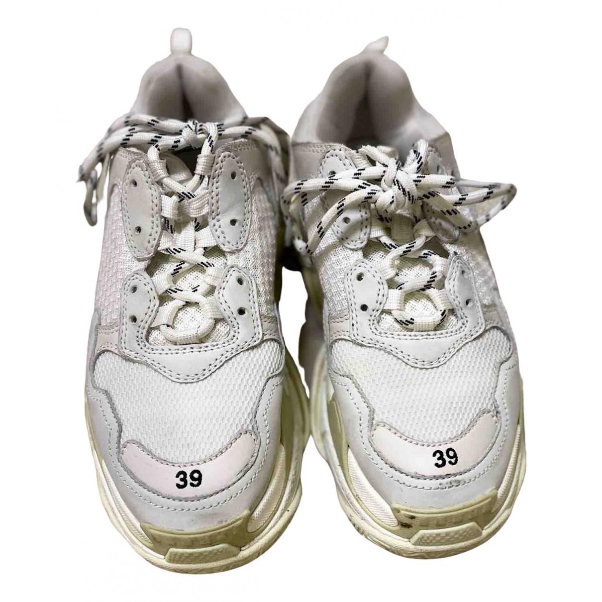 Balenciaga Triple S Sneakers in  Weiss Leder