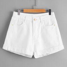 Denim Shorts mit gerolltem Saum und schraegen Taschen
