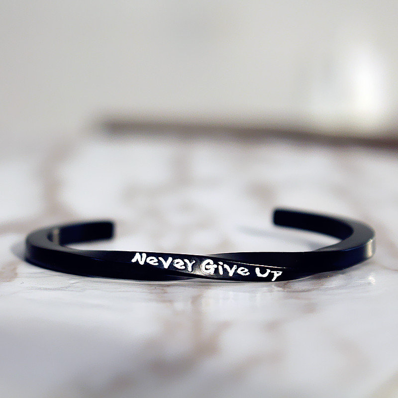 Womens Mens Cuff Bracelets Mobius Band Never Give Up Engraved Spiral Bangle Bracelets for Couple