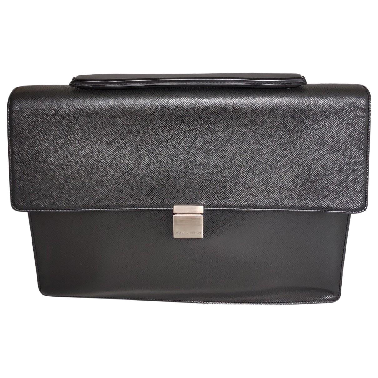 Louis Vuitton \N Black Leather bag for Men \N