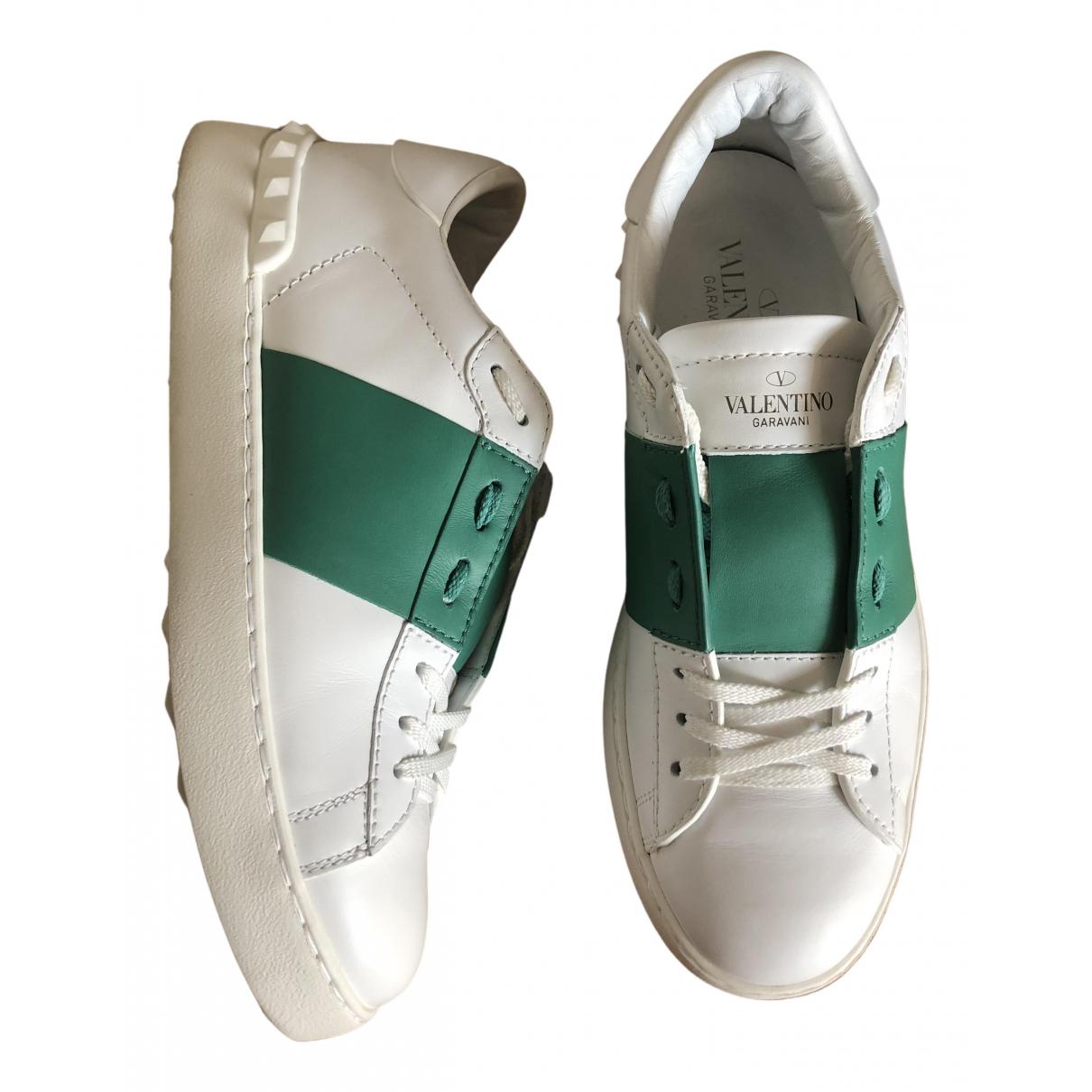 Valentino Garavani Backnet Sneakers in  Weiss Leder