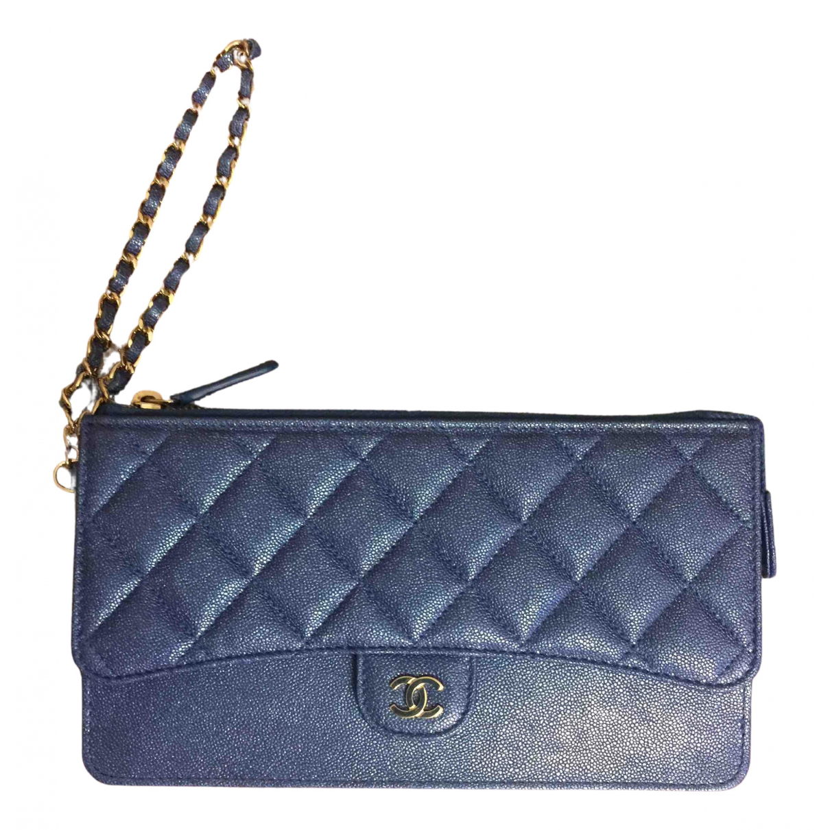 Chanel Timeless/Classique Clutch in  Blau Leder