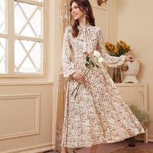Vestido bajo con fruncido floral de margarita de cuello con cordon