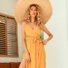 Vestido de verano de tirantes con cordon de muslo con abertura