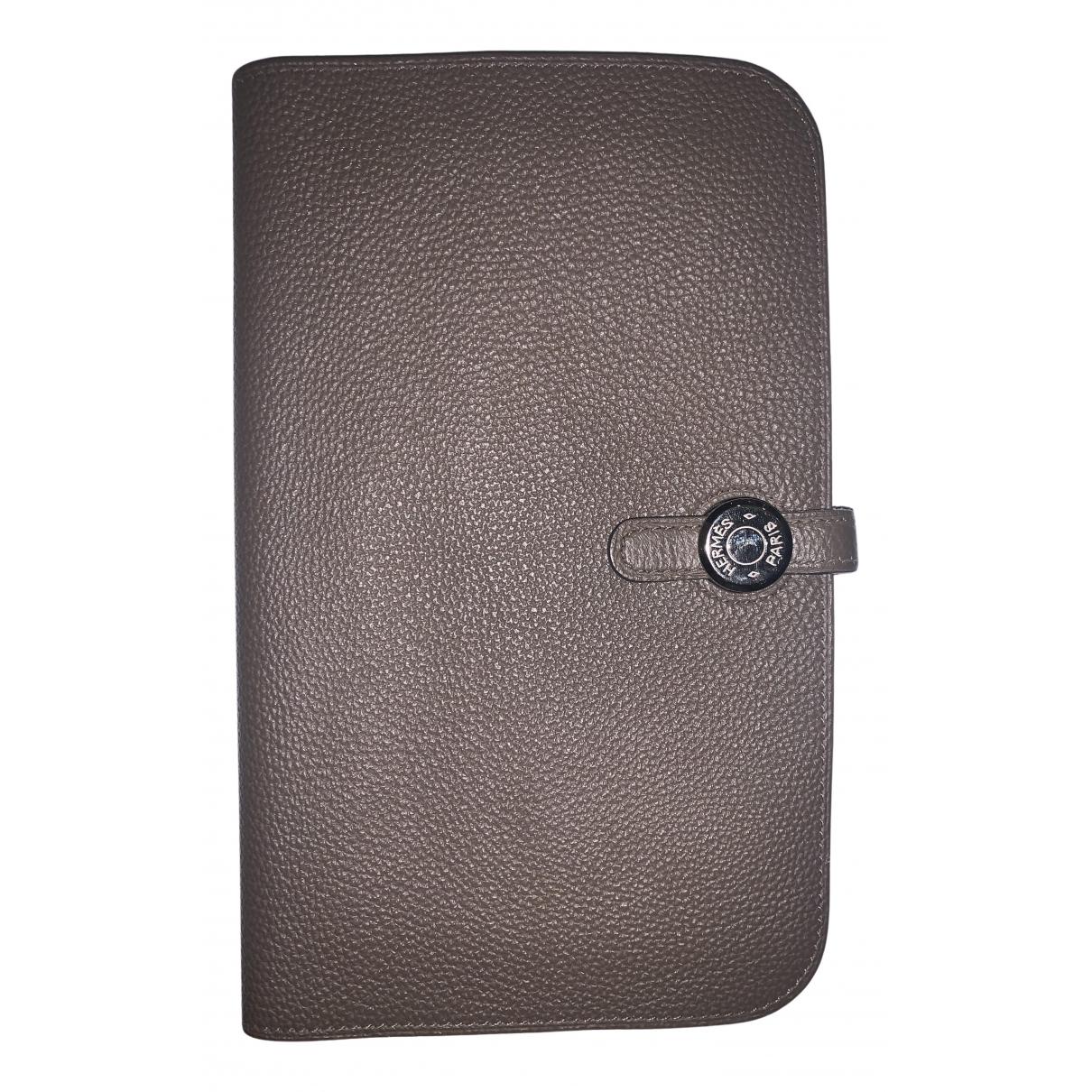 Hermes Dogon Portemonnaie in  Grau Leder