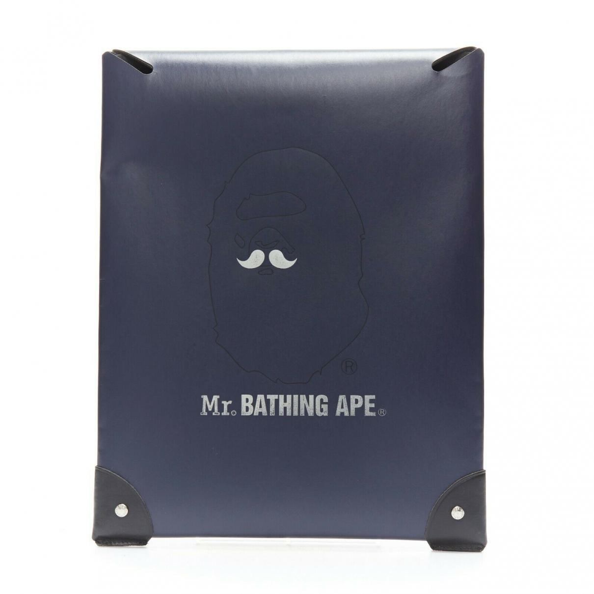 A Bathing Ape \N Kleinlederwaren in  Blau Leder