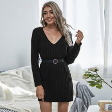 Rippenstrick Pullover Kleid mit sehr tief angesetzter Schulterpartie ohne Guertel