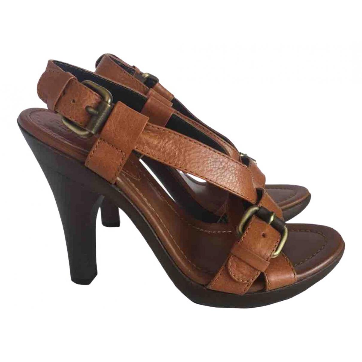 Sandalias de Cuero Fendi