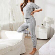 Schlafanzug Set mit Kontrast, Spitze und Knoten vorn