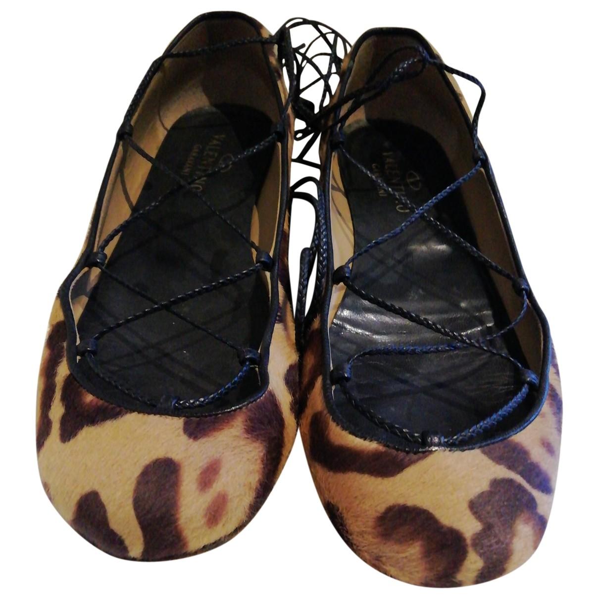 Valentino Garavani - Ballerines   pour femme en veau facon poulain - camel