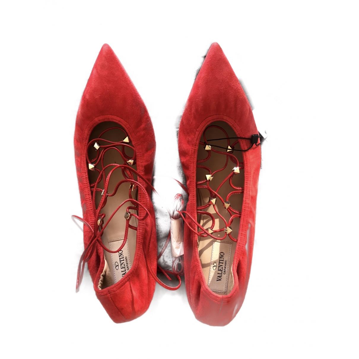 Valentino Garavani - Ballerines   pour femme en suede - rouge